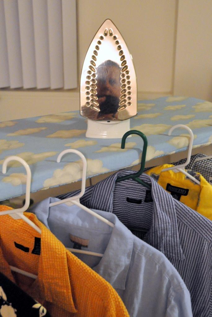 Peglanje košulje - predblagdanski zadatak Foto: Photopin