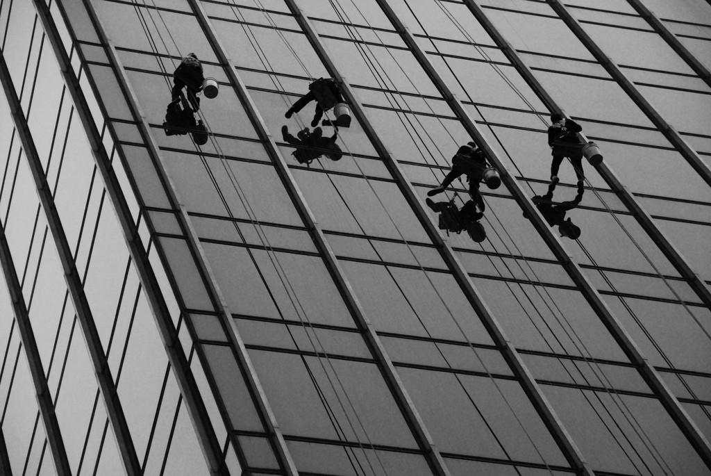 Čišćenje prozora zahtijeva određenu spretnost Foto: Photopin