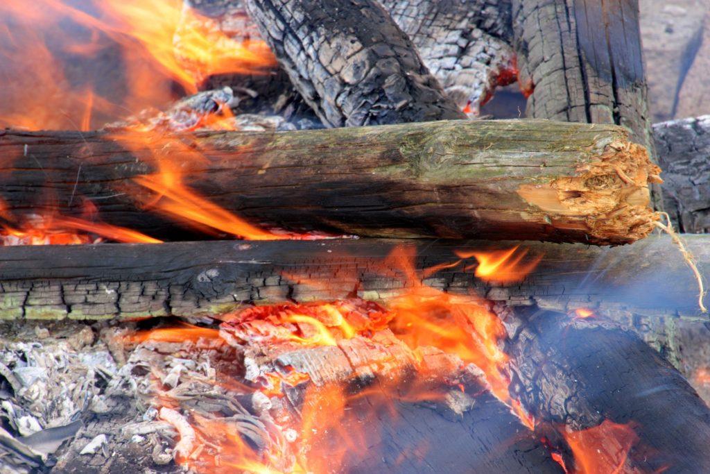 Kratak je put od vatre do pepela Foto: Pixabay
