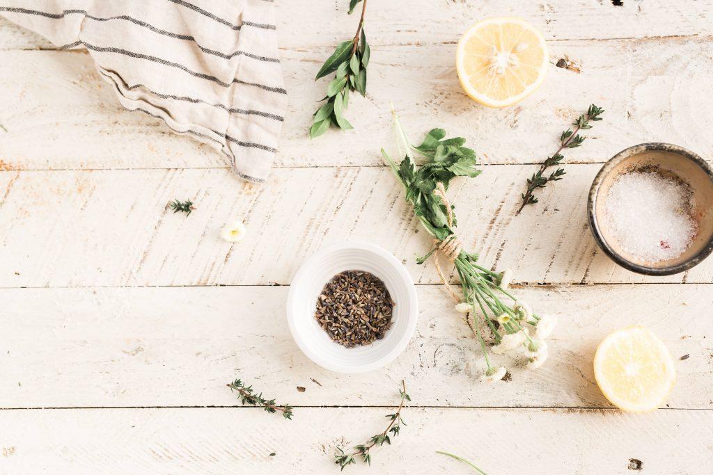 Kako očistiti masnoću s kuhinjskih elemenata 2
