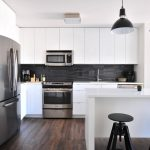 Kako očistiti masnoću s kuhinjskih elemenata